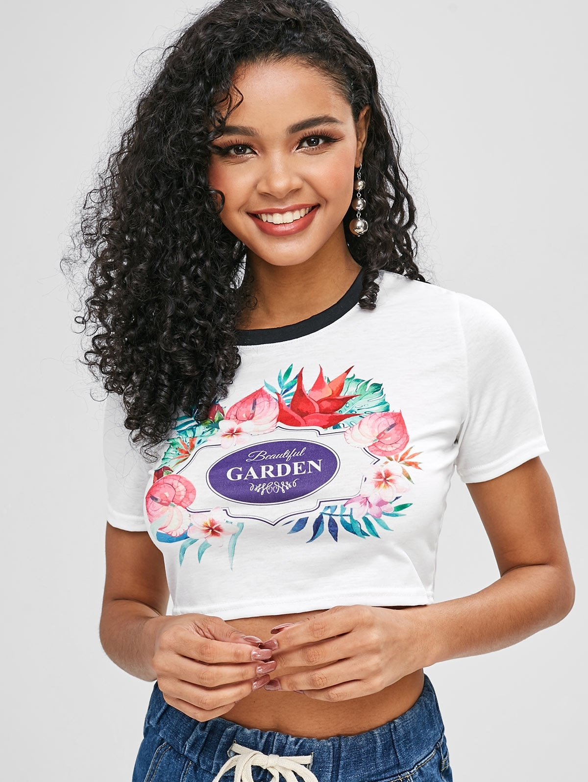 Flower Letter Graphic Crop T-shirt